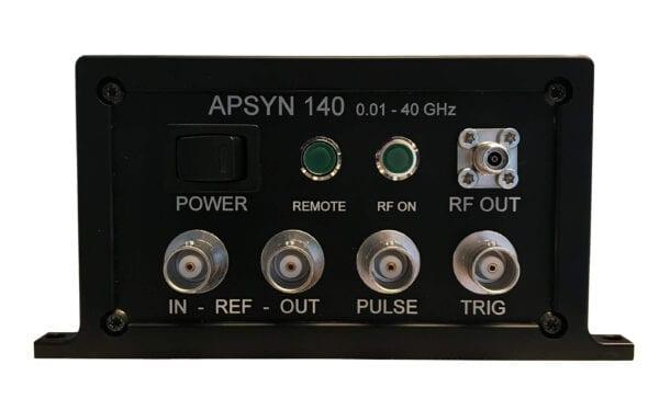 Anapico_APSYN140_front_panel